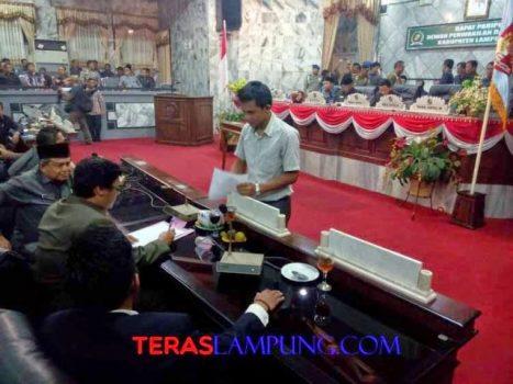 Penandatanganan berita acara pengesahan RAPBD Lampung Utara 2015, Jumat malam