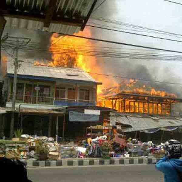 Breaking News: Pasar Liwa Lampung Barat Terbakar