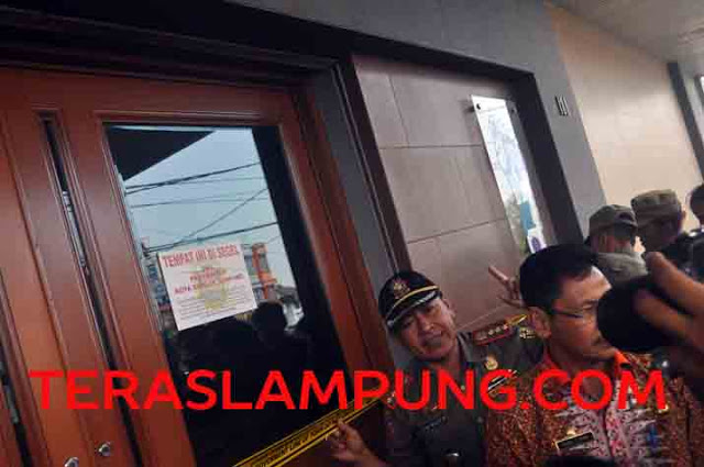 Video Penyegelan City Spa Jl. Pangeran Diponegoro Bandarlampung
