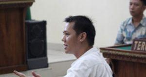 Doddy Anugerah Putra saat menjalani persidangan di PN Tanjungkarang, beberapa waktu lalu. (Foto: dok lampost.co)