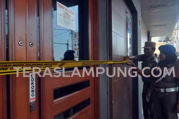 City Spa di Jl. Pangeran Diponegoro Bandarlampung disegel Sat Pol PP Pemkot Bandarlampung, 11 September 2015 lalu.