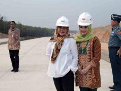 Ibu Negara Iriana Joko Widodo dan istri Gubernur Lampung, Aprilani Yustin Ficardo (Foto: MRF)