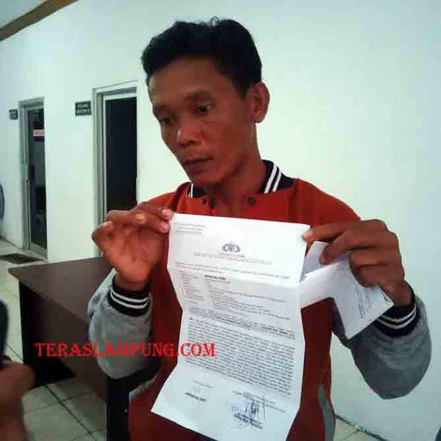 Jumari melaporkan Haspawi terkait intimidasi dalam pilkades di Desa Sukadana Ilir, Bunga Mayang, November lalu.