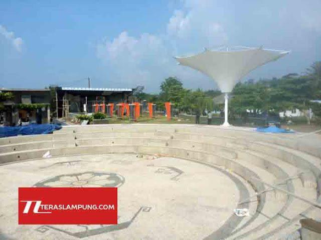 Kawasan Wisata Kuliner di Pusat Pendaratan Ikan (PPI) Dermaga Bom Kalianda, Lampung Selatan yang saat ini tengah dikembangkan pembangunannya.