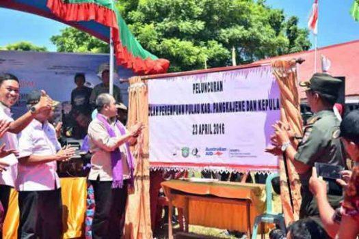 Menteri Desa dalam Peluncuran Sekolah Perempuan di Kabupaten Pangkejene dan Kepulauan (Pangkep) , Sulawesi Selatan, Sabtu (23/4/2016)