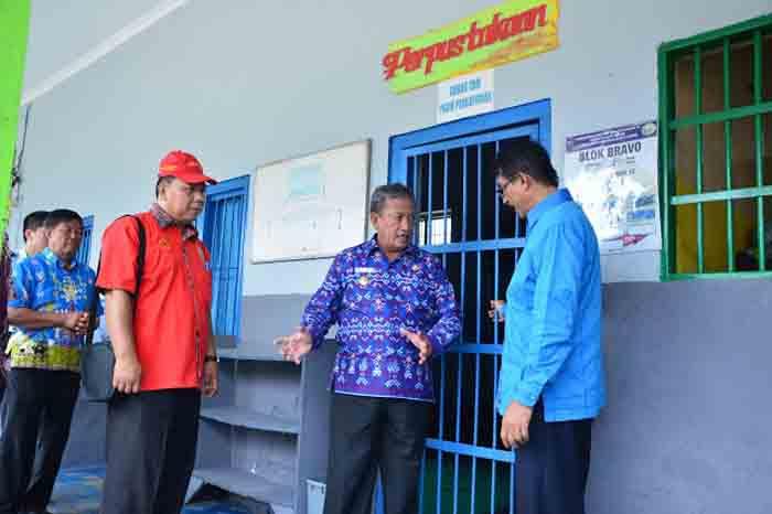 Wakil Walikota Metro Djohan sekaligus Ketua BNK melakukan sidak dan tes urine di LP Kelas II Metro, Selasa (17/5)