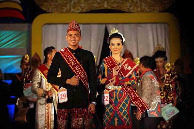 Juara Muli Dan Mekhanai Bandar Lampung 2016 : Prasetya Wibisono dan Ferriska Anggrelita. (Foto: Imkobal)
