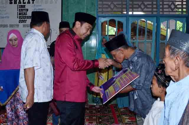 Bupati Lampura di Desa Sri Bandung