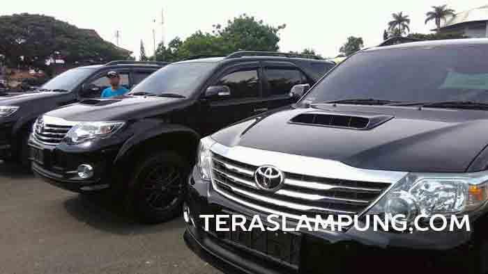 Tiga mobil canggil Polda Lampung diserahkan Kapolda Lampung kepada tiga direktorat di Polda Lampung, Kamis (9/6).