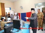 Biupati Zainudin Hasan melakukan inspeksi mendadak di salah satu kantor SKPD Kabupaten Lampung Selatan, Senin (11/7/2016).