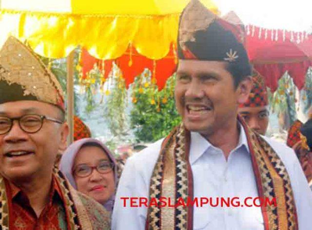 Menpan-RB, Abnan Abrur bersama Ketua MPR RI, Zulkifli Hasan saat mengunjungi Polda Lampung, Selasa (13/9/2016).