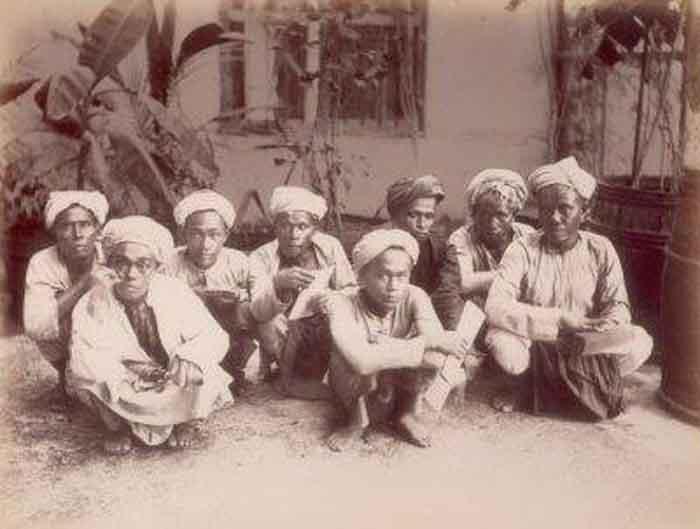 Jamaah haji dari Lampung pada tahun 1800-an. (Foto dok KITLV -Tropenmuseum)