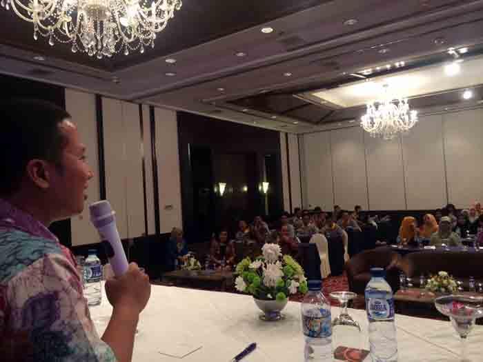 Ketua HIPMI Lampung, Mahathir Muhammad, memberikan materi pelatihan.