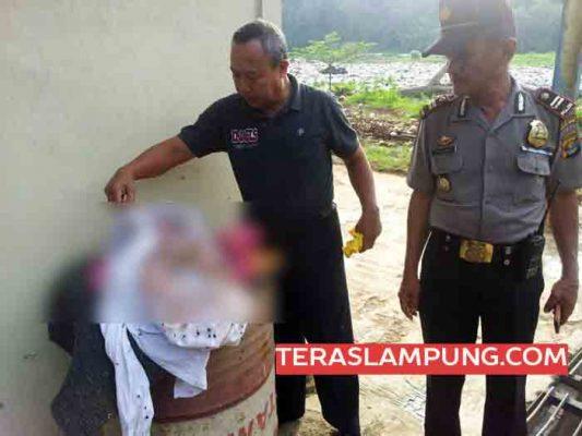 Mayat Bayi Laki-Laki Ditemukan Bersama Tumpukan Sampah di TPA Bakung