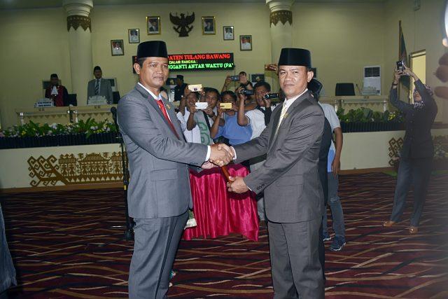 DPRD Kabupaten Tulang Bawang Gelar Pengambilan Sumpah Jabatan Ketua, Wakil Ketua dan PAW