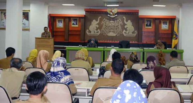 Bimtek penyusunan Rencana Kinerja Tahunan (RKT) dan Perjanjian Kinerja (PK) di Lingkungan Pemerintah Provinsi Lampung tahun 2018, di Balai Keratun, Ruang Sungkai, Komplek Kantor Gubernur Lampung, Senin (532018).