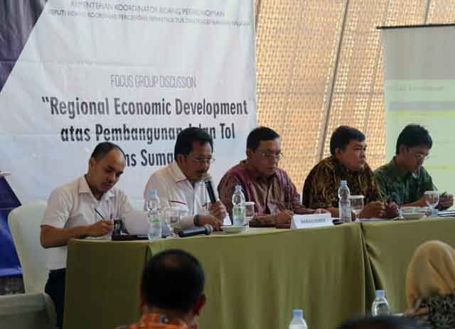 ocus Group Discussion (FGD) Regional Economic Development atas Pembangunan JTTS, di Novotel Bandar Lampung, Rabu (28/3/2018).