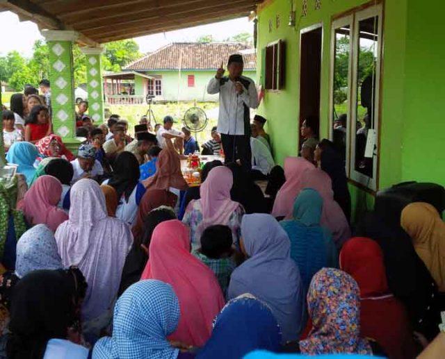 Calon Bupati Agung Ilmu Mangkunegara menyampaikam visi dan misinya kepada warga Sidoasri.