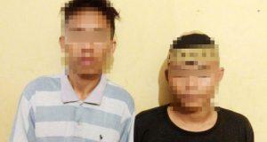 Dua Remaja pelaku pencurian Generator Masjid Nur Agung di Kampung Banjar Agung, Tulangbawang berinisial JO alias AG (19) dan DE (18) yang diamankan petugas Satreskrim Tulangbawang. (Foto Humas Polres Tuba)