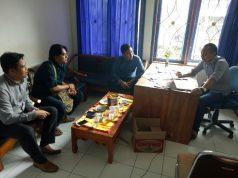 Anggota Satuan intelkam Polres Lampung Utara mengajak pihak PWI untuk memerangi kabar bohong.