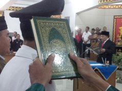 Plt Bupati Lampung Utara, Sri Widodo mengambil sumpah para pejabat yang mendapat promosi/mutasi.