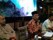 Sutono pada acara dialog publik yang digelar Mitra Bentala di Kafe Wood Stairs, Bandarlampung, Rabu malam (25/4/2018).