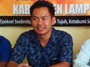 Ketua Panwaslu Lampung Utara, Zainal Bachtiar,menjelaskan penggunaan anggaran yang selama ini diterima lembaganya, Sabtu (21/4/2018).