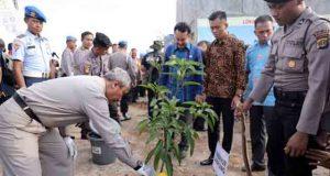 Peletakan batu pertama pembangunan Markas Polda Lampung di Way Hui, Jati Agung,Lampung Selatan,Kamis (5/4/2018).