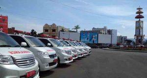 Ambulans gratis diparkir di sekitar Bundaran Tugu Adipura Bandarlampung.