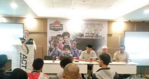 Konferensi pers pengiriman 1.000 ton beras dari ACT Lampung untuk warga Suriah.