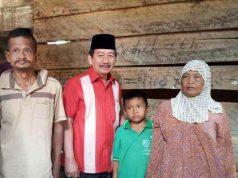 Herman HN bersama keluarga Mimin.