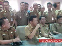 Para pejabat Pemkab Lampung Utara menjelaskan tujuan mereka untuk menemui Pelaksana Tugas Bupati lampura terkait polemik rolling pejabat yang telah dilakukan.