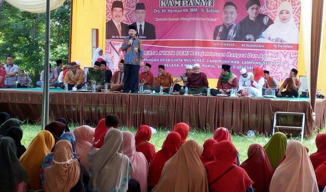 Herman HN berkampanye di Lapangan Cinta Mulya, Candi Puro, Lampung Selatan.