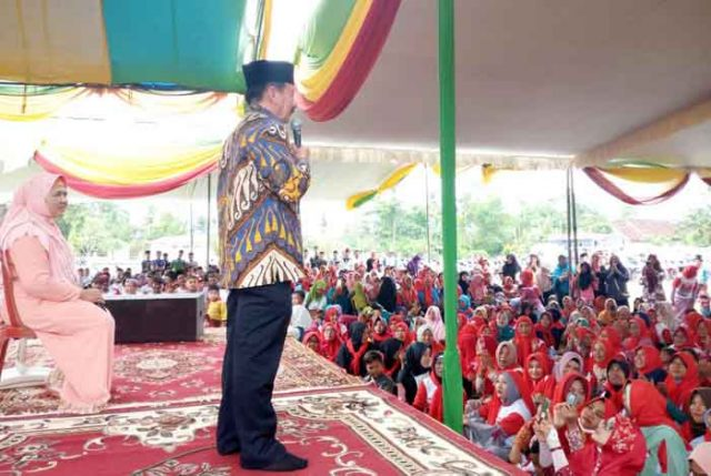 Herman HN berkampanye di Lapangan Srimulyo, Seputih Surabaya, Lampung Tengah (15/5).