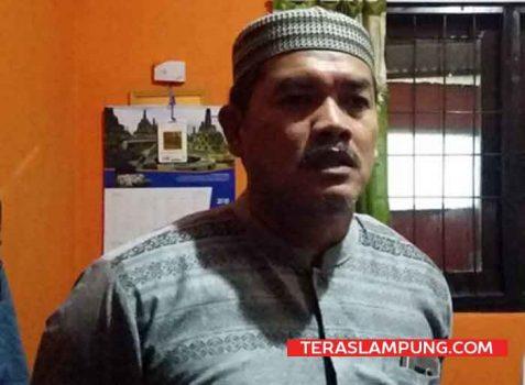 Kepala Lapas Kelas II Kalianda Muchlis Adjie saat memberikan keterangan terkait penggeledahan yang dilakukan petugas BNNP Lampung di rumah dinasnya dan ruangan kerjanya.