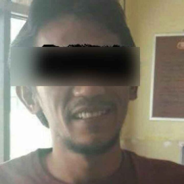 Suyanto alias Keling tersangka dugaan ujaran kebencian presiden Joko Widodo di media sosial Facebook yang diamankan tim Cyber Crime Ditreskrimsus Polda Lampung