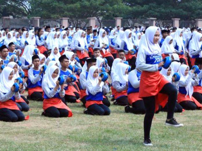 3.500 pelajar se-Lampung Selatan yang membawakan tari bedana katipung