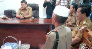 Suasana pertemuan perwakilan kepala desa dengan pejabat BPKA Lampung Utara terkait kejelasan nasib tunggakan ADD tahun 2017