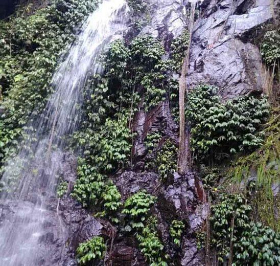 Eksotisme Air Terjun Karang Asri di Kabupaten Tanggamus. Lampung.