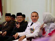 Komjen Iriawan bersama Mendagri Tjahjo Kumolo pada acara pelantikan dirinya sebagai Penjabat Gubernur Jawa Barat, Senin (18/6/2018). Foto: Kemendagri