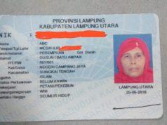 KTP Elektronik ABC, warga Lampung Utara (Foto: Teraslampung.com/Feaby Handana)
