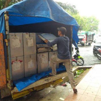 KPU Lampura Targetkan Besok Seluruh Logistik Pilgub dan Pilbup Tiba di TPS