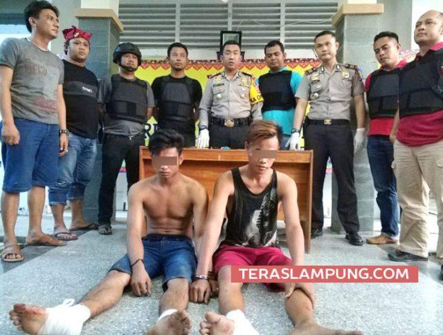 Kapolres Lampung Selatan, AKBP M Syarhan saat mengekspos kasus pelaku begal yang melakukan aksi pembegalan terhadap pemudik saat di Jalinsum ruas Simpang Kates, Katibung, Lampung Selatan beberapara hari lalu