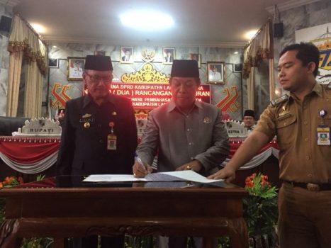 DPRD Lampung Utara Sahkan Enam Raperda