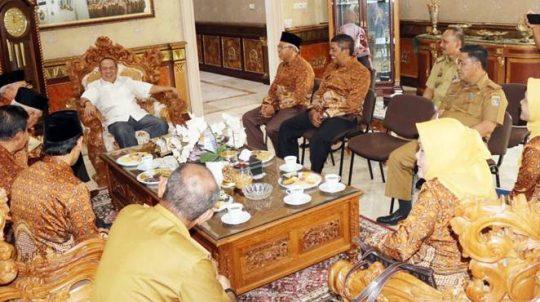 Silaturahmi dengan Wagub, Ketua PWRI Puji Gubernur Ridho-Wagub Bachtiar