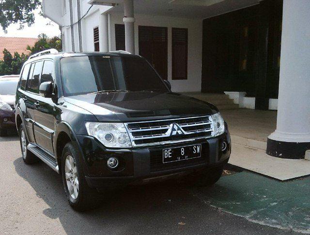 Mobil Mitsubishi Pajero yang digunakan Wakil Bupati Sri Widodo