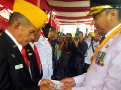 Pemberian penghargaan dan bonus kepada veteran dan para atlet Lampung Utara