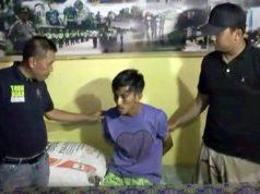M Heirudin (24), warga Panjang, Bandarlampung salah satu tersangka pencurian spesialis bajing loncat saat diintrogasi Kapolsek Panjang, Kompol Sofingi (kiri) terkait aksi pencurian yang dilakukan tersangka bersama lima pelaku lainnya yang masih buron.