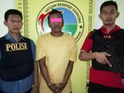 Tersangka terduga pengedar dan pengguna sabu-sabu, Mulyadi (51) yang ditangkap petugas Satuan Reserse Narkoba Polres Pesawaran (Foto: Humas Polres Pesawaran)
