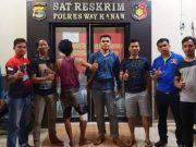 Buronan kasus perampokan berinisial KWH (26) dibekuk Tim khusus anti bandit (Tekab) 308 Polres Way Kanan (Foto: Humas Polres Way Kanan)